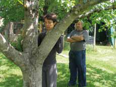 Seance-de-soin-aux-arbres-avec-Pierre-Cappelle